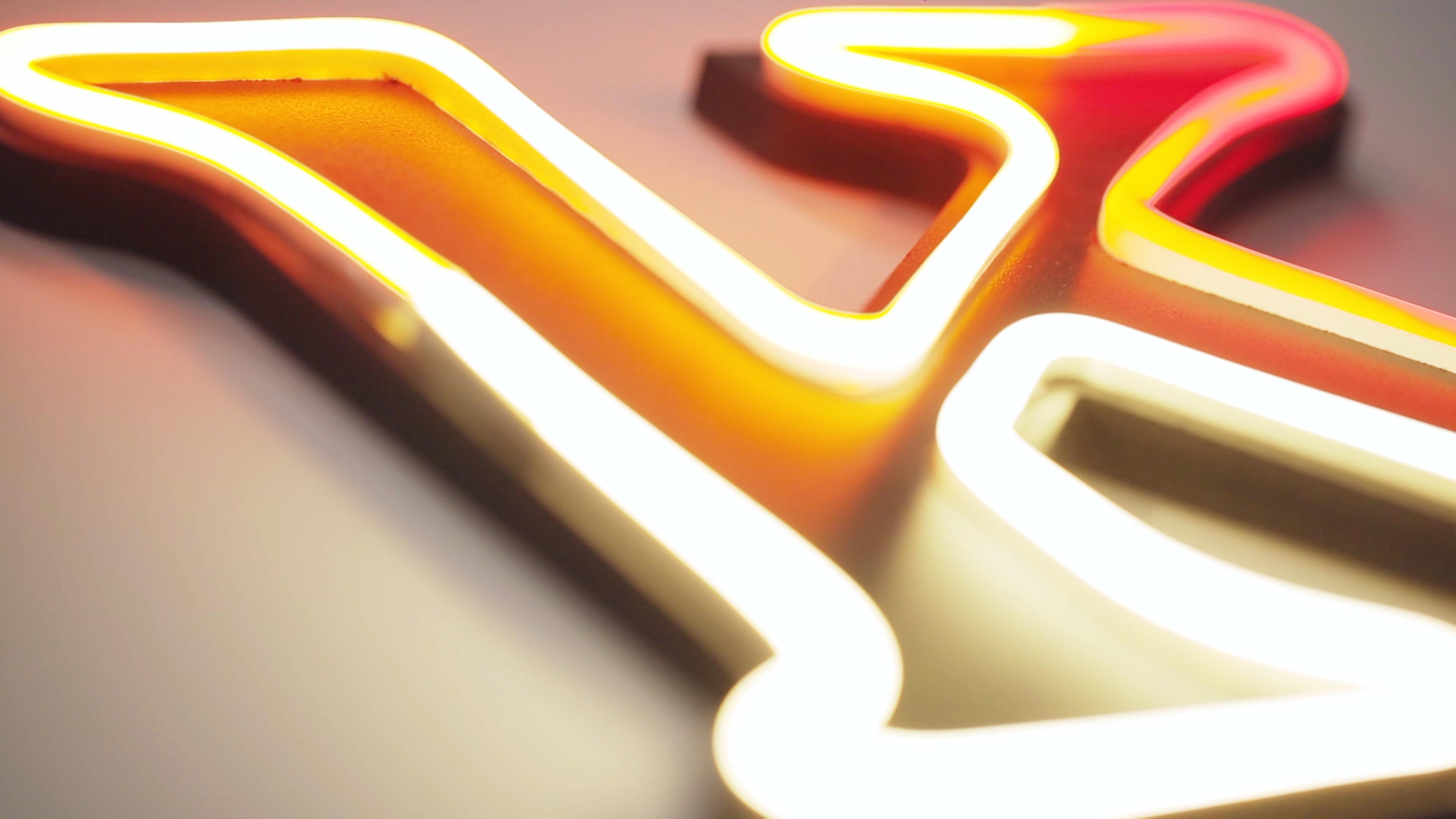Podświetlane litery przestrzenne — jak je wykorzystać do dekoracji i wystroju wnętrz prywatnych?
